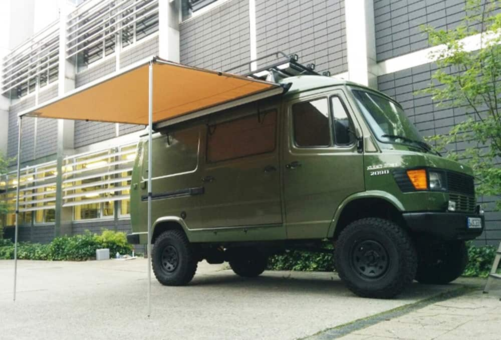 Mercedes Sprinter 209D with reinforced shock absorbers