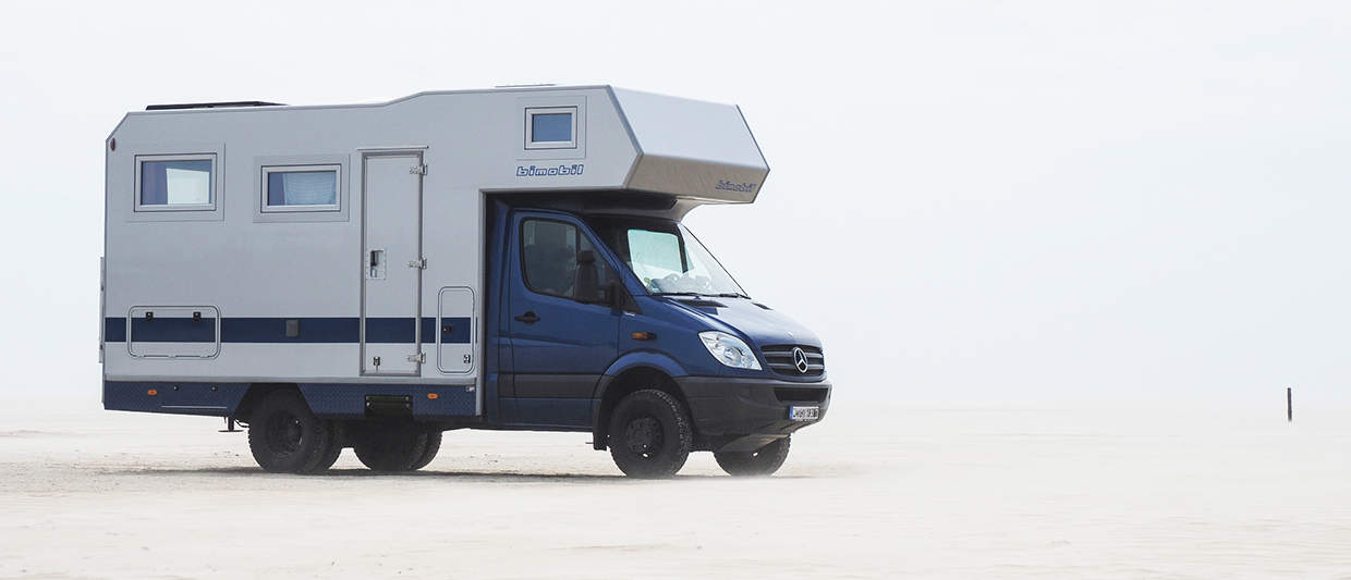 Mercedes Sprinter with alcove and heavy duty shock absorbers