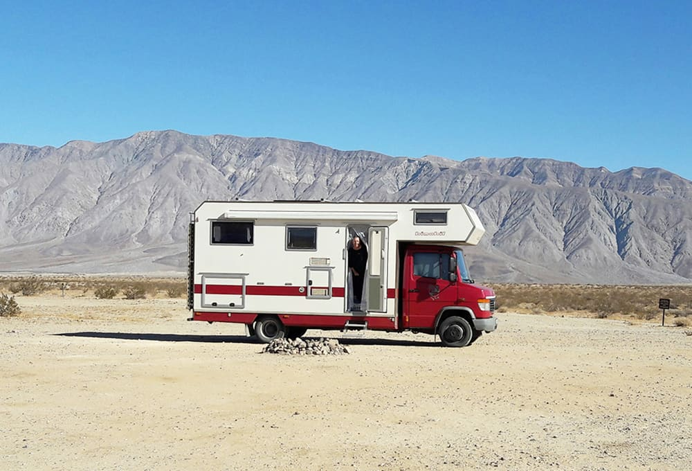 Camper Mercedes Vario with reinforced shock absorbers