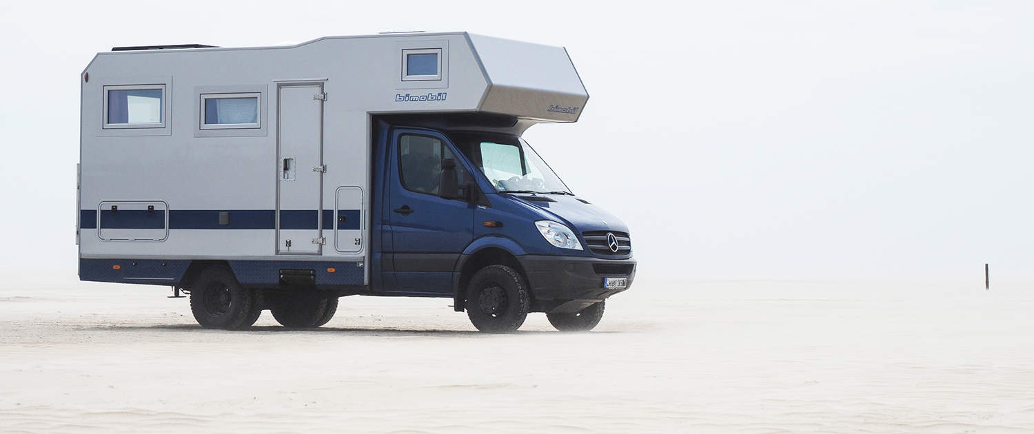 Mercedes Sprinter with alcove and reinforced shock absorbers