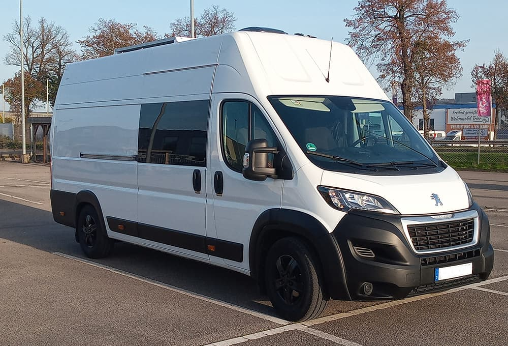 Peugeot Boxer Transporter with reinforced shock absorbers from Marquart